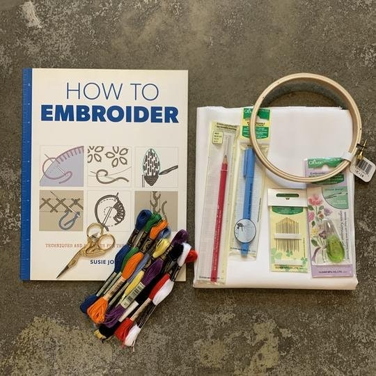 Stitches Embroidery Kit - Deluxe