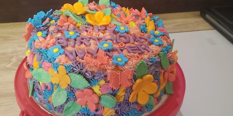 Momma Bee's Cakes