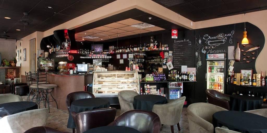 Astoria Caffe Wine Bar